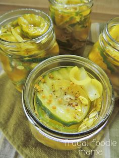 Easy Refrigerator Bread  Butter Pickles- sweet  crunchy and ready in just a day, no canning! via the thefrugalfoodiemama.com