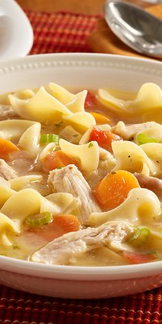 Turkey Noodle Soup Classic leftover turkey soup recipe made quickly with frozen vegetables and noodles for enjoying the leftover turkey.Classic leftover turkey soup recipe made quickly with frozen vegetables and noodles for enjoying the leftover turkey. Crock Pot Recipes, Soup Recipes, Dinner Recipes, Cooking Recipes, Healthy Recipes, Comfort Foods, Leftover Turkey Soup, Turkey Leftovers, Turkey Noodle Soup