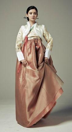 Seodamhwa - Wedding Hanbok designed by Song Hye-Mi - Traditional Korean…