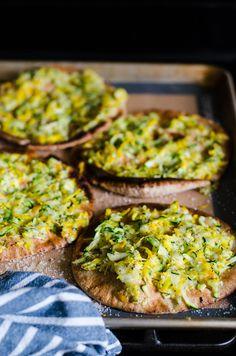 Healthy Pita Pizza with Zucchini -