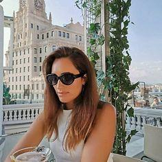 Fashion Blogger & PR (@lilianamiguezgarcia) • fotos e vídeos do Instagram Round Sunglasses, Sunglasses Women, Instagram, Fashion, Moda, Fashion Styles, Fasion