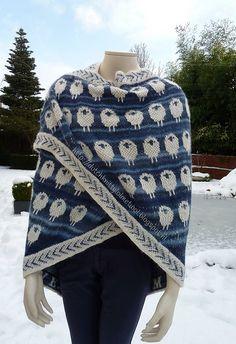 Deze shawl is gemaakt met Alpaca en Delight van Drops Op haar blog vind je uitleg hoe de shawl gemaakt is http://dutchknittylolmetwol.blogspot.nl/2014/12/sheeplove-in-blues.html wol gekocht bij www.bloemendalwol.nl