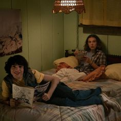 Stranger Things Mike and Eleven, Finn Wolfhard, Millie Bobby Brown, Season 3 Stranger Things Fotos, Stranger Things Aesthetic, Stranger Things Season 3, Stranger Things Funny, Eleven Stranger Things, Stranger Things Netflix, Millie Bobby Brown, Charlie Heaton, Series Movies