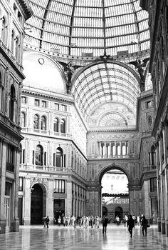 Galeria Umberto, Naples