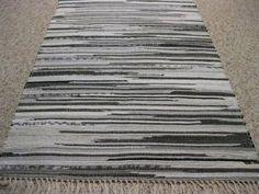 Handwoven Black, Gray, White Rag Rug 25 x 49 (M)