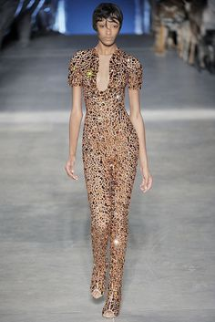 Alexander McQueen Spring 2009 Ready-to-Wear - Collection - Gallery - Style.com