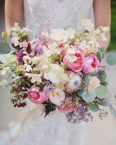 20 Mixed Pastel Wedding Bouquets | SouthBound Bride | http://www.southboundbride.com/20-mixed-pastel-wedding-bouquets | Credit: Maria Longhi Photography/The Little Branch via Style Me Pretty