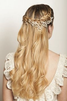 """Semirecogido para novias"" Headband Hairstyles, Pretty Hairstyles, Braided Hairstyles, Church Hairstyles, Wedding Hairstyles, Love Hair, Gorgeous Hair, Hair Treatment At Home, Bridal Tiara"