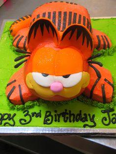 Garfield shaped cake
