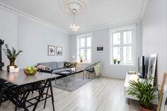 (1) FINN – Grünerløkka - Pen, klassisk og arealeffektiv 2-roms med detaljer som stukkatur og rosett. Populær beliggenhet!