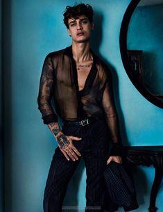 'City of Gods' editorial por Mario Testino para Vogue Hommes Spring-Summer 2017