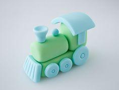 Un tutorial muy tierno sobre como modelar un sencillo trenecito con colores pastel para nustras tartas fondant infantiles. !Me encanta¡   Vi...