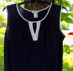 """NWT 2XL/2X Grande Women's blouse Front of closet keyhole Bust 50""""  Stretchy #FrontofCloset #Blouse"""