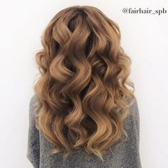 Stunning waves by @fairhair_spb  recreate this look using our 32mm curling wand for big luscious waves.  Shop any of our 3️⃣ stores: https://bombayhair.refersion.com/c/56e6