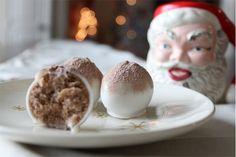 SugarDerby - SugarBlog - Hot Cocoa CakeBalls!