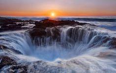 Les plus belles cascades du Monde - Le puit de Thor - Oregon