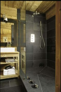 You are planing to design your house on this style? Sounds like a remarkable idea. Let's take a look at the satisfactory rustic bathroom ideas this year! Shower Tile Designs, Rustic Bathroom Designs, Bathroom Interior Design, Charcoal Bathroom, Slate Bathroom, Chalet Design, Cabin Bathrooms, Rustic Bathrooms, Bad Inspiration