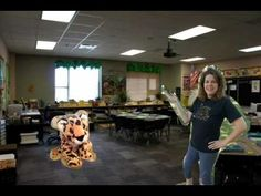 Great way to use Puppet Pals to introduce your classroom! See full blog post here: http://ilive2learnilove2grow.blogspot.com/2012/06/back-to-school-video-made-with-puppet.html