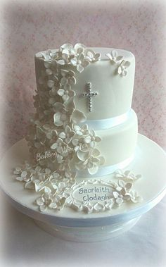 First Communion cake Christian Cakes, Christening Cake Girls, First Holy Communion Cake, Religious Cakes, Confirmation Cakes, Girl Cakes, Celebration Cakes, Party Cakes, Cake Designs