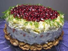 Cooking: The salad is laid in layers and each is coated with mayonnaise: 1 layer - onion, cut into cubes or p / rings, pour over boiling water to remove bitterness; 2 layer - potatoes, cut into cubes; Salad Recipes, Dessert Recipes, Desserts, Food Network Recipes, Cooking Recipes, Good Food, Yummy Food, Cooking Together, Russian Recipes