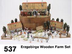 537: Erzgebirge Wooden Farm Set : Lot 537