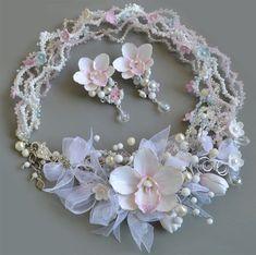 """Купить Комплект """"Нежность лепестков"""" - бледно-розовый, белый, нежное украшение, комплект украшений"""