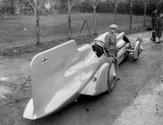 Campbell and his Bluebird, 1933, much earlier than when he set the record in Australia.