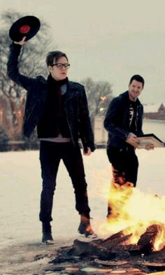 Fall Out Boy return! <3