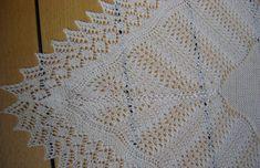 Marys royale sjal   texart.dk Lace Knitting, Knitting Patterns, Dyi, Little Ones, Crochet Projects, Wraps, Blanket, Shawls, Diy Baby