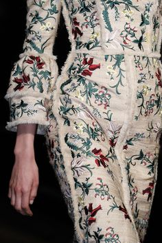 Erdem Spring 2016 Ready-to-Wear Fashion Show Runway Fashion, Spring Fashion, Fashion Beauty, Luxury Fashion, London Fashion, Modest Fashion, High Fashion, Fashion Show, Women's Fashion