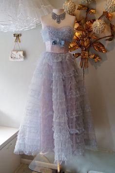 Alice's dress! (Or close!) LOVE IT!