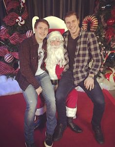 Brendan Gallagher and Nathan Beaulieu with Santa.the cutest thing I've seen all day Montreal Canadiens, Tyler Seguin, Boston Bruins, Hockey Players, Ice Hockey, My Boyfriend, Nhl, Christmas Sweaters, Hot Guys