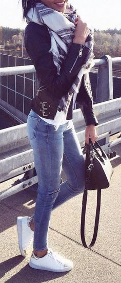 Best Comfortable Women Fall Outfits Ideas As Trend 2017 247 https://montenr.com/75-best-comfortable-women-fall-outfits-ideas-as-trend-2017/best-comfortable-women-fall-outfits-ideas-as-trend-2017-247/