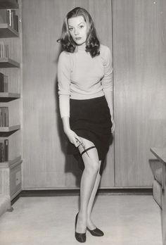 """""""Hazel Brooks, 1940s film noir actress, clearly takes the Girl Scout motto seriously  knows to always Be Prepared"""""""