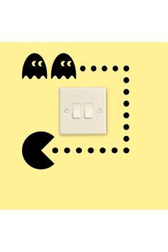 Vente Stickers / 15821 / Design et city / Sticker Pacman pour prise Noir