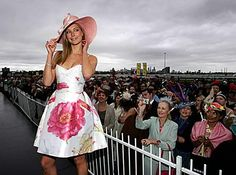 Melbourne Cup: Fashion on the Field; adore this dress and the floral Print!!<3 #dressmaking #calicolaine