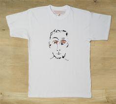 Camiseta de algodón de Malasuertemente para hombre, en dos tintas. negra y azul. Estampada en serigrafía manual.
