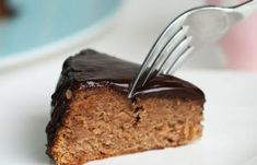 Chestnut Cake with Chocolate Glaze Recipe Chestnut Cake Recipe, Chestnut Recipes, Chestnut Spread Recipe, Diet Desserts, Paleo Dessert, Delicious Desserts, Baking Recipes, Cake Recipes, Dessert Recipes