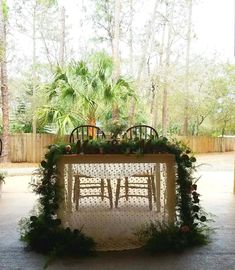 Beautiful Sweetheart Table here at Cielo Blu Barn decorated by Kathy at Something Special Floral Shoppe in Vero Beach.