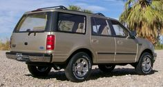 Ford Expedition XLT 1998 Ford Expedition, Jessica Jones, Diecast, Garage, Van, Vans, Garages, Ford, Carriage House