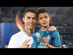 E fundit: Edhe djali i Ronaldos nënshkruan me Juventus (Foto) Cristiano Ronaldo Quotes, Cristiano Ronaldo Juventus, Neymar, Memes Ronaldo, Ronaldo Football, Football Gif, Messi Vs, Lionel Messi, Sports