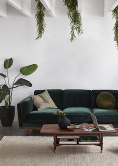 emerald green couch green velvet tufted sofa breathtaking emerald green sofa exclusive green velvet sofa or emerald in sofas emerald green dining chairs australia Living Room Green, Boho Living Room, Living Room Sofa, Apartment Living, Bohemian Living, Modern Bohemian, Cozy Living, Apartment Chic, Bedroom Sofa
