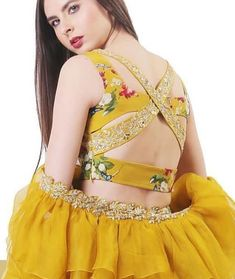 Unique criss-cross patterned back blouse design ! we've fetched more than 200 blouse designs that you'll go gaga over. Be it for a simple saree, bridesmaid lehenga or a bridal lehenga, these blouse designs are the perfect inspiration you need. Stylish Blouse Design, Blouse Back Neck Designs, Fancy Blouse Designs, Bridal Blouse Designs, Latest Blouse Designs, Indian Blouse Designs, Sari Design, Design Floral, Couture Mode