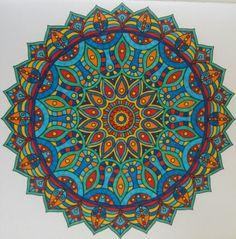 Derde mandala boek. Gekleurd door Bea Smit.