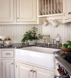 Már jó ideje készülök arra, hogy egy külön tanfolyamot szenteljek a konyhának. Ez a lakás egyik legfontosabb helyisége, és a funkciók itt a legkötöttebbek, ezért mindenképp szükségesnek tartom, hogy részletesen végigvegyem a tervezés menetét. Egy jól megtervezett konyhában...