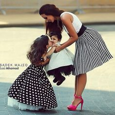 mother and daughter dress Mother Daughter Matching Outfits, Mother Daughter Fashion, Mommy And Me Outfits, Daughter Love, Girl Outfits, Daughters, Mom Son, Little Sister Pictures, Gals Photos