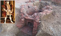 Possible Tudor oven. The find was made by Oxford Archaeology East which, along with engineering firm AECOM was given permission to scour the site in Chelmsford, Essex by building developers. History Major, Tudor History, British History, Heinrich Viii, Tudor Monarchs, Tudor Dynasty, King Henry Viii, Tudor Era, Tudor Rose