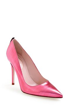 Love the dramatic pointy toe on these pink leather SJP pumps.