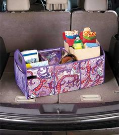 This collapsible organizer helps you sort everything in your trunk and also comes with a removable cooler. Use all 3 compartments to store maps, emergency supplies, shopping bags and more.