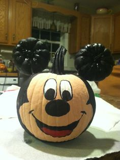 Mickey Mouse Pumpkin pintwist on a different type of mouse creation #mickeymouse…